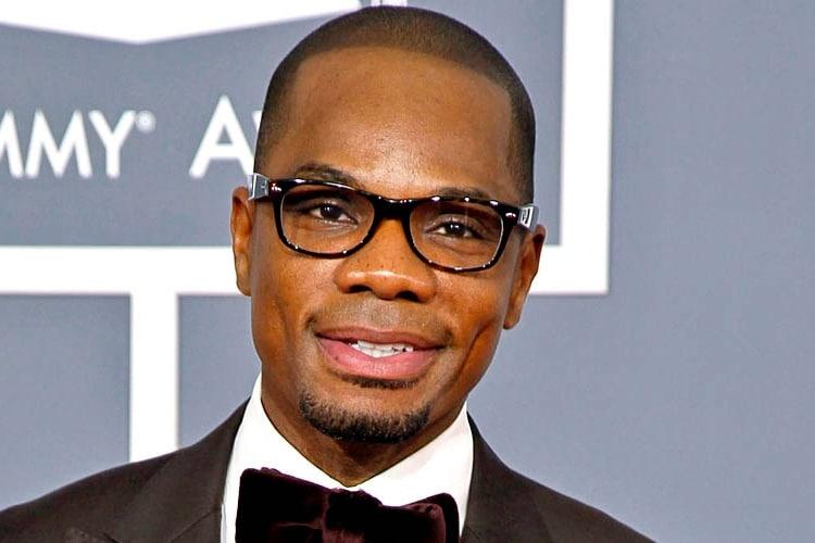 tye tribbett wear glasses