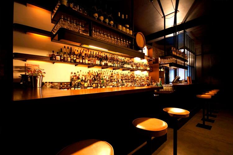 whisky & alement bar