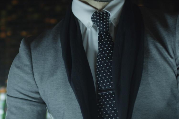 gentleman wear polka dot tie with x suit