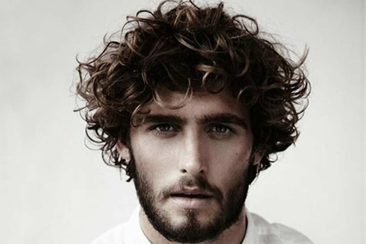mens wavy or curly hairstyles