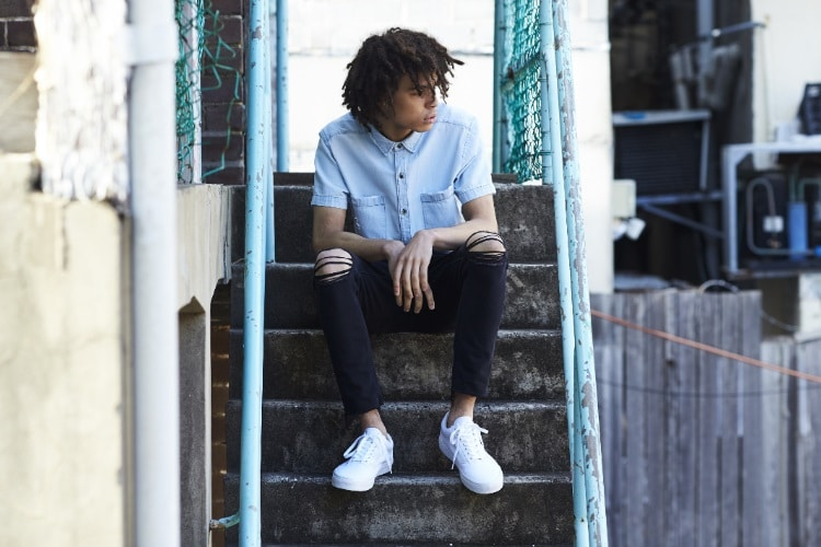 abrand jeans sit stairs