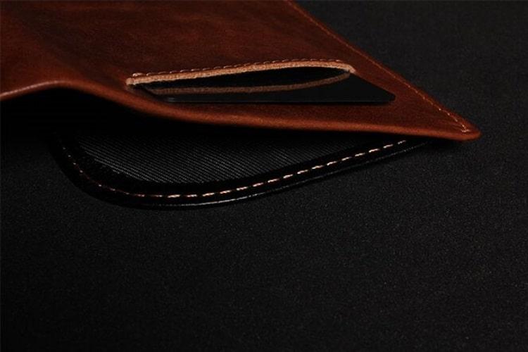 swift rapid wallet side view