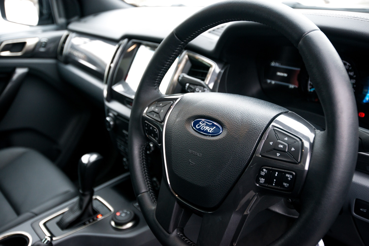 ford everest car steering