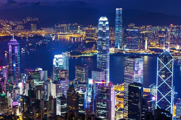 hong kong city night look