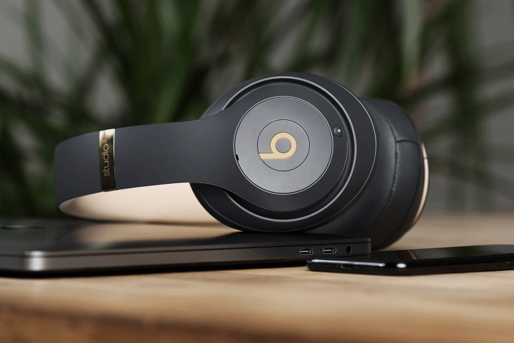 ee9143bc12a The Mayweather of Headphones - Beats Studio3 Wireless | Man of Many