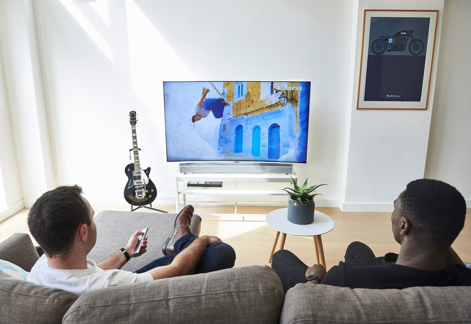 samsungs sound and soundbar uses tv room
