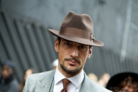 guide to wearing mens hats with suits