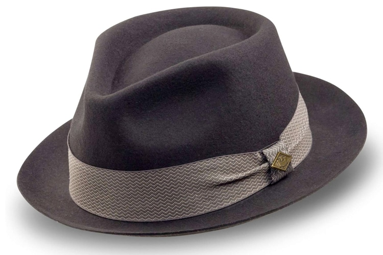 10c1717d8 Guide to Wearing Men's Hats With Suits | Man of Many