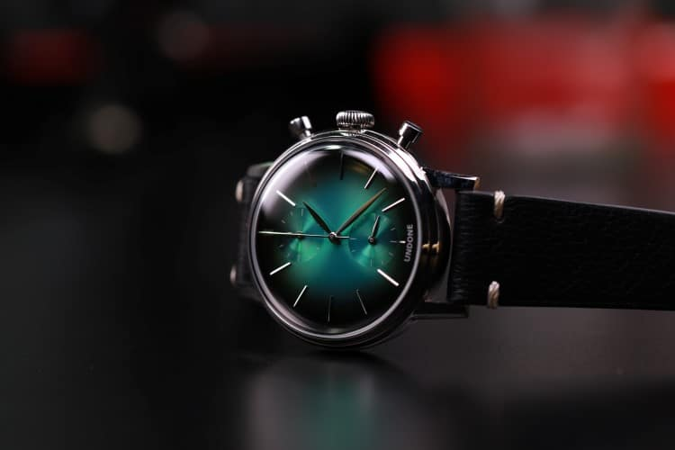 undone watch green color