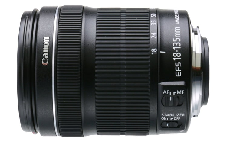 canon efs 18 135mm f/3.5 5.6 is stm lens