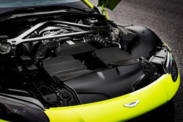 engine of aston martin vantage car
