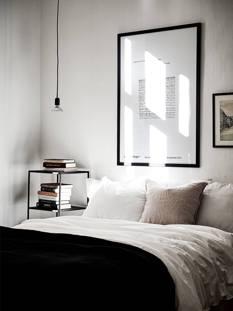 masculine bedroom where has some books