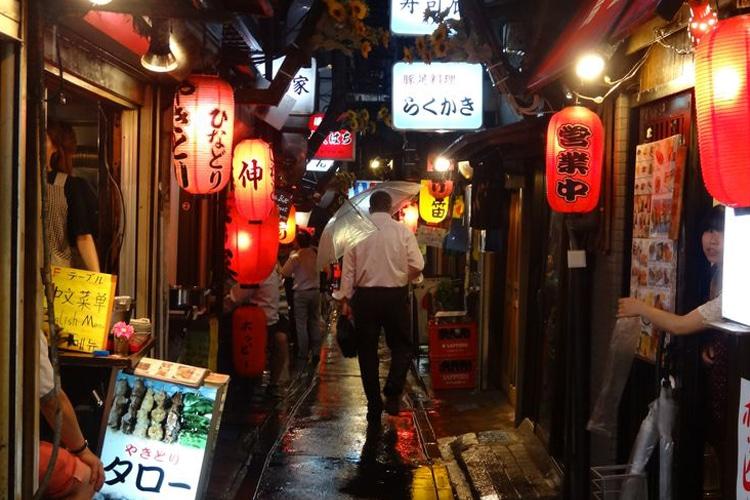 tokyo city golden gai