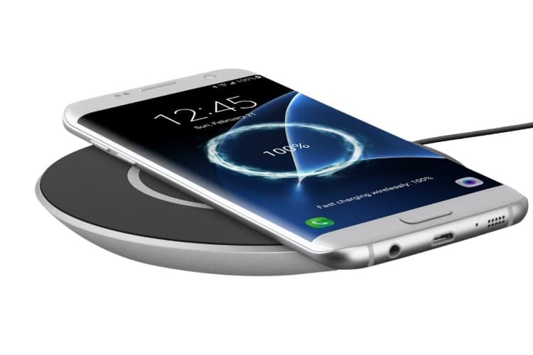 christmas gift guide belkin boost up qi wireless phone charger