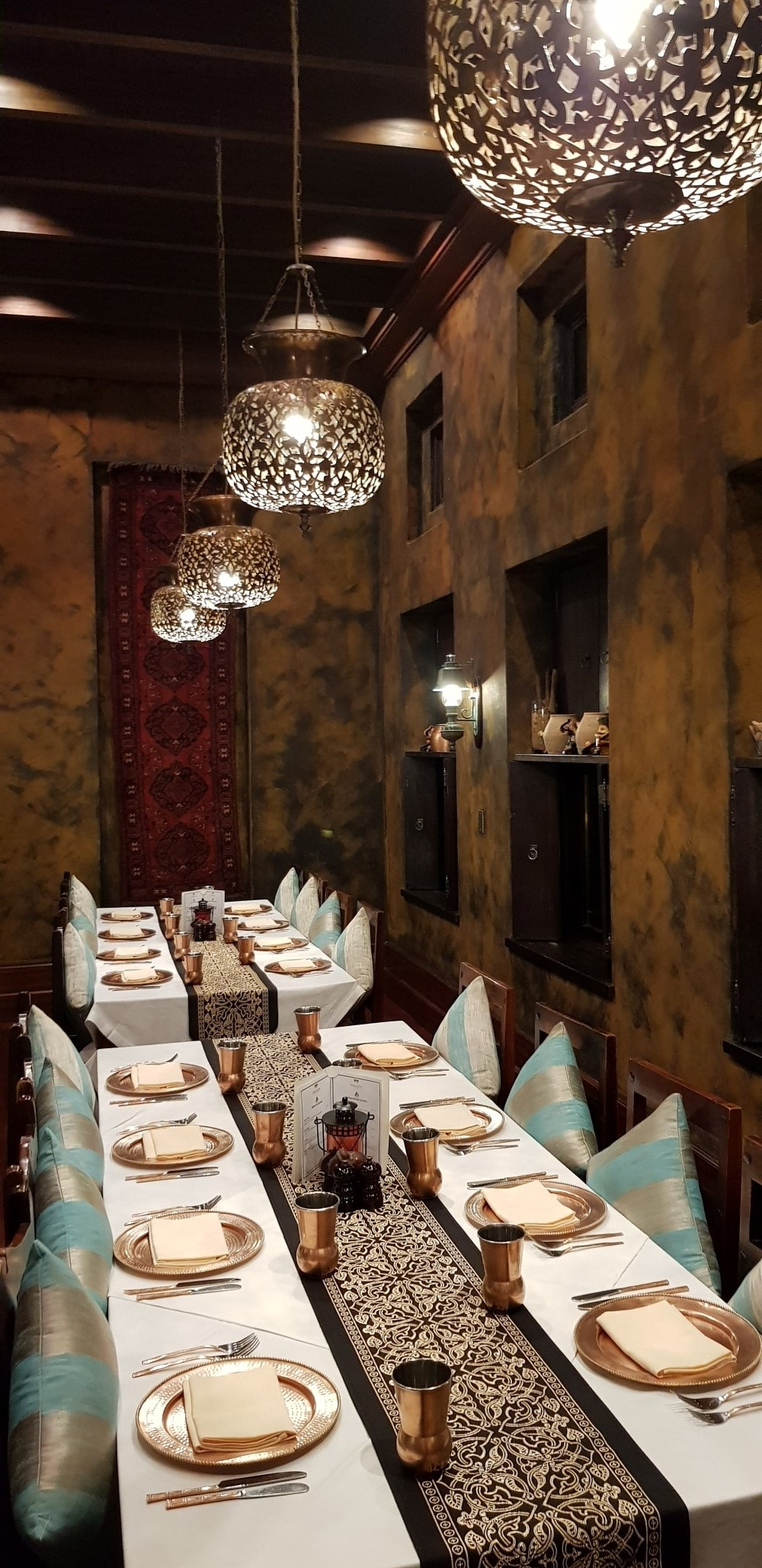 dubai city dining table