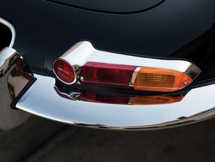 jaguar e-type car indicator