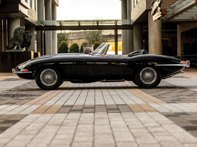 side view of jaguar e-type car