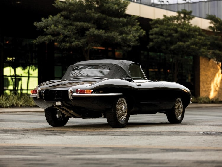 jaguar e-type car angled shape
