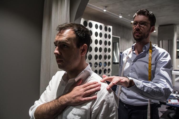 tailor measurement the men shoulder