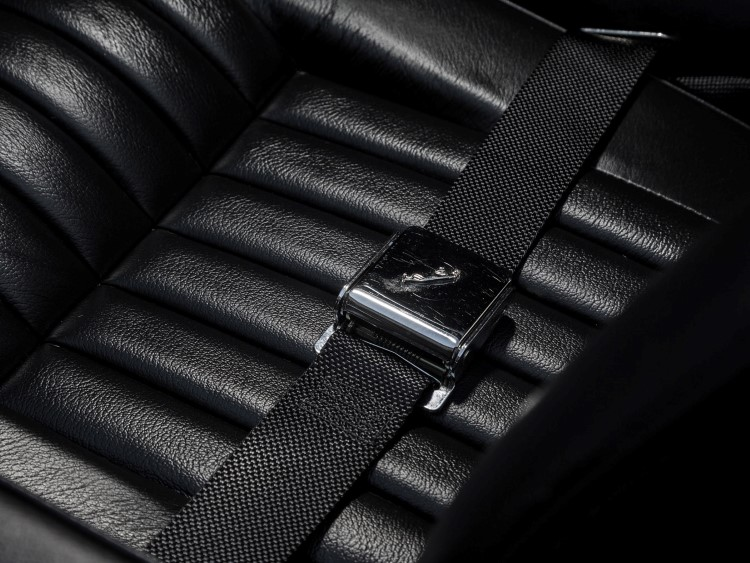 jaguar e-type car seat belt