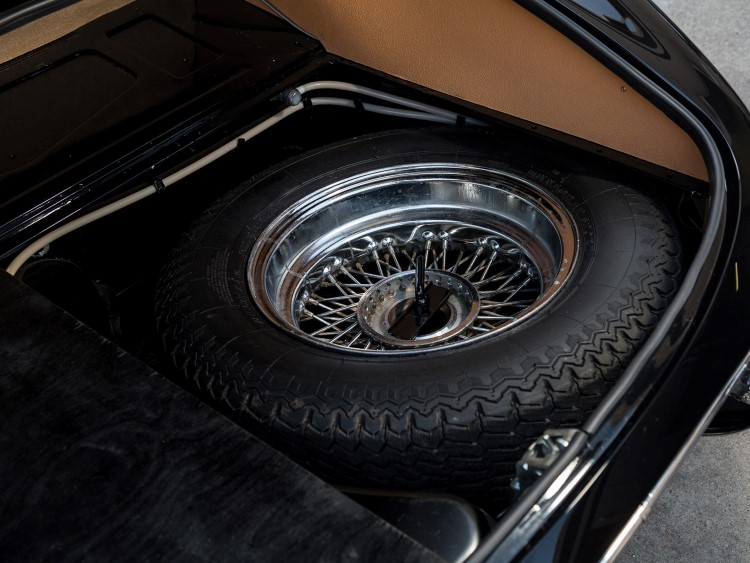 jaguar e-type car wheel