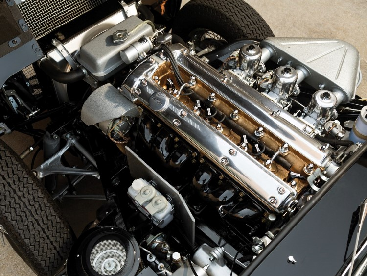 jaguar e-type car engine top view