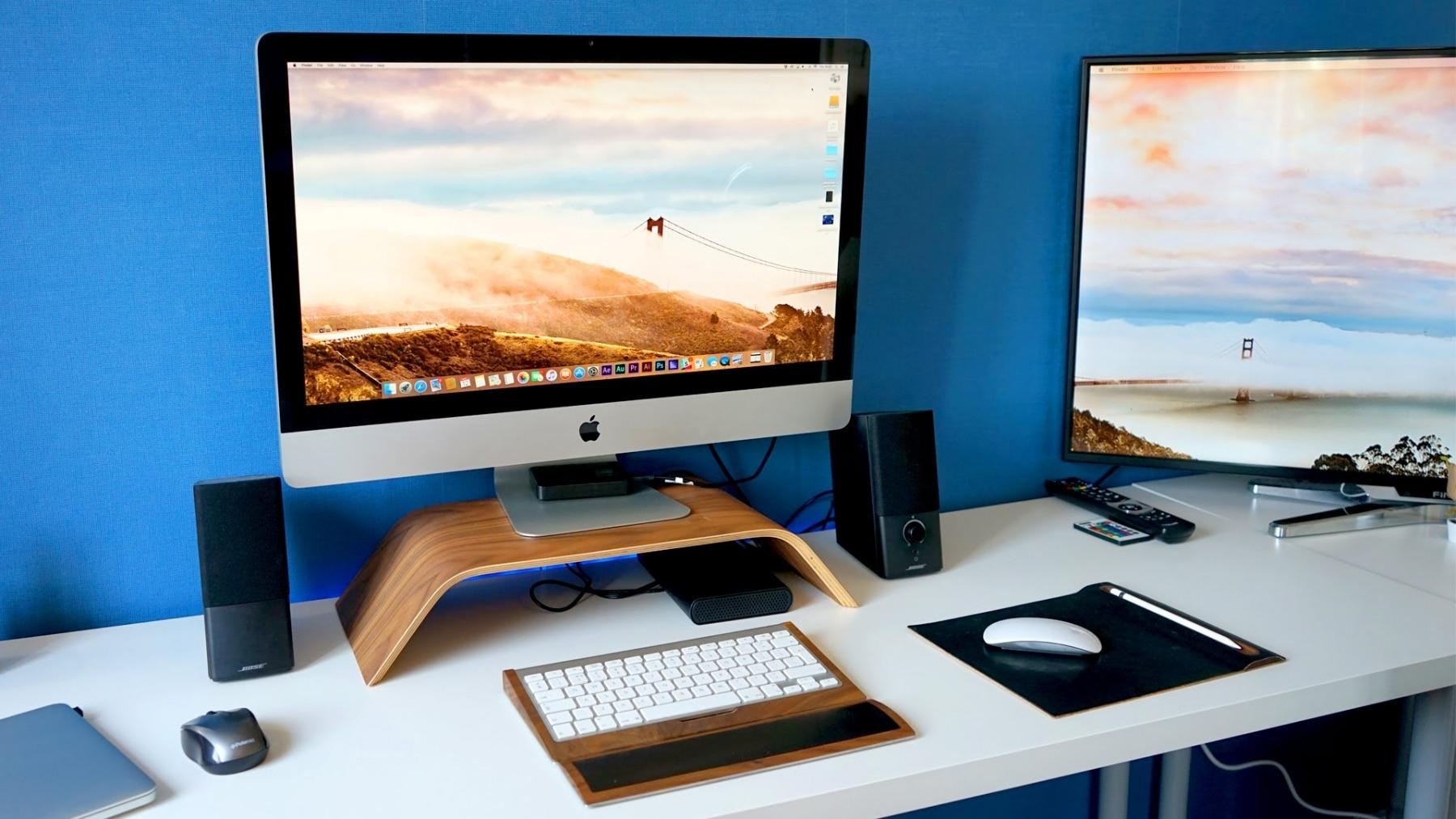 masculine macbook pro office setup
