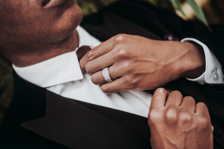Guide To Buying A Men S Wedding Ring Man Of Many