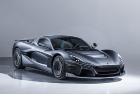 hypercar and supercar compare