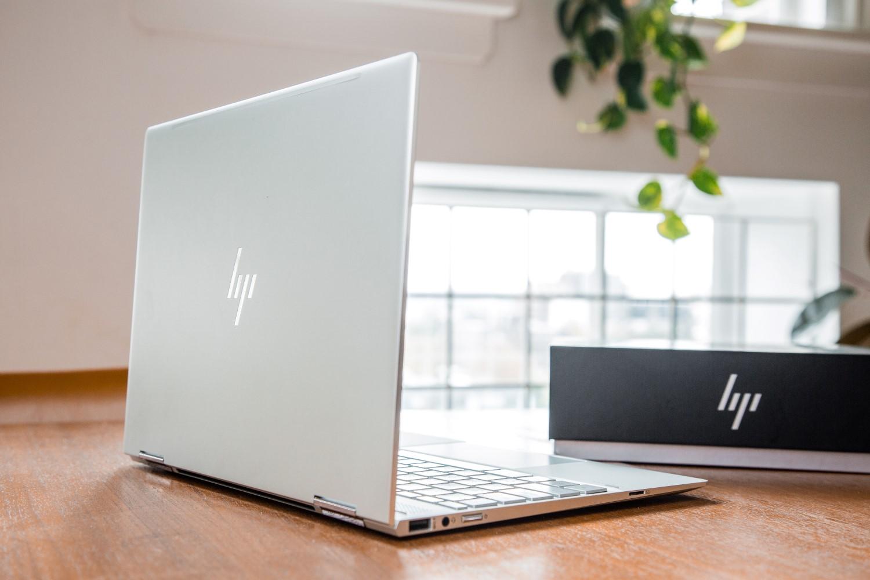 hp spectre x360 laptop rear side