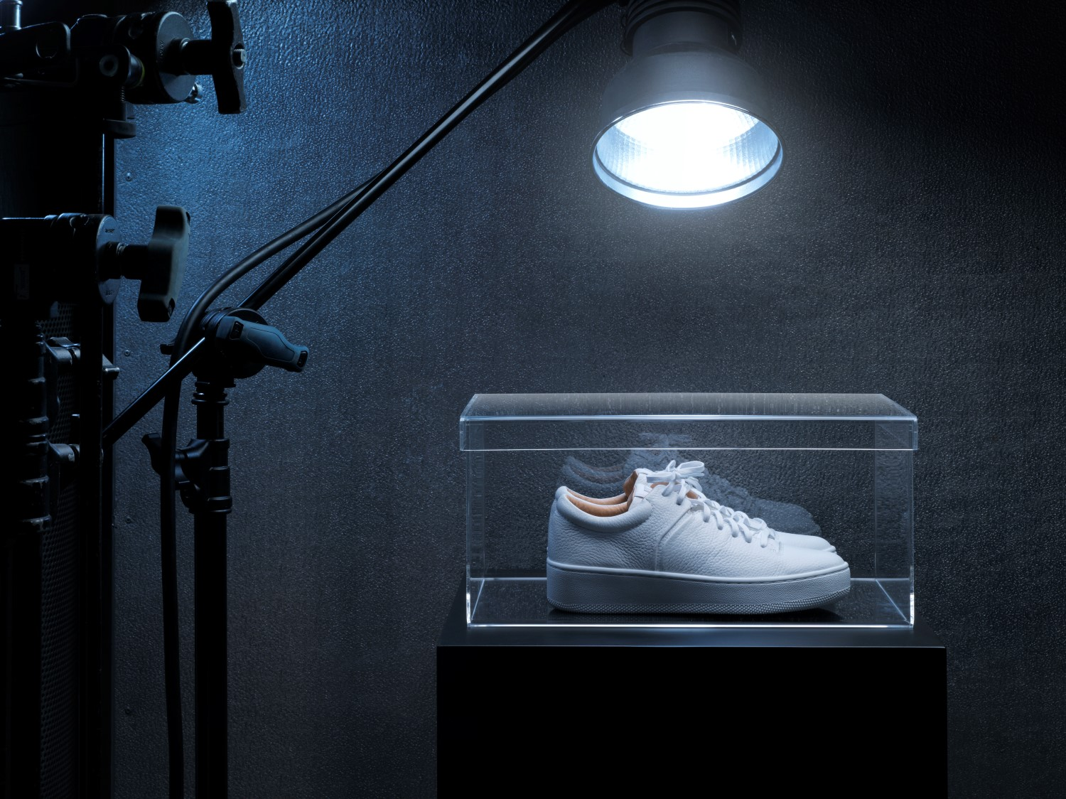 ikea spanst lighting on the sneakers