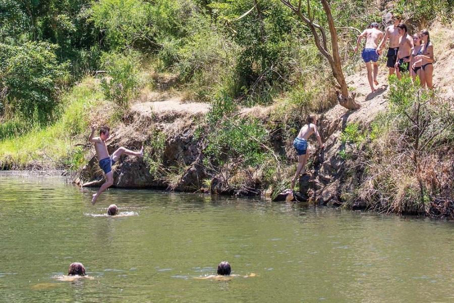 moorooduc quarry jump
