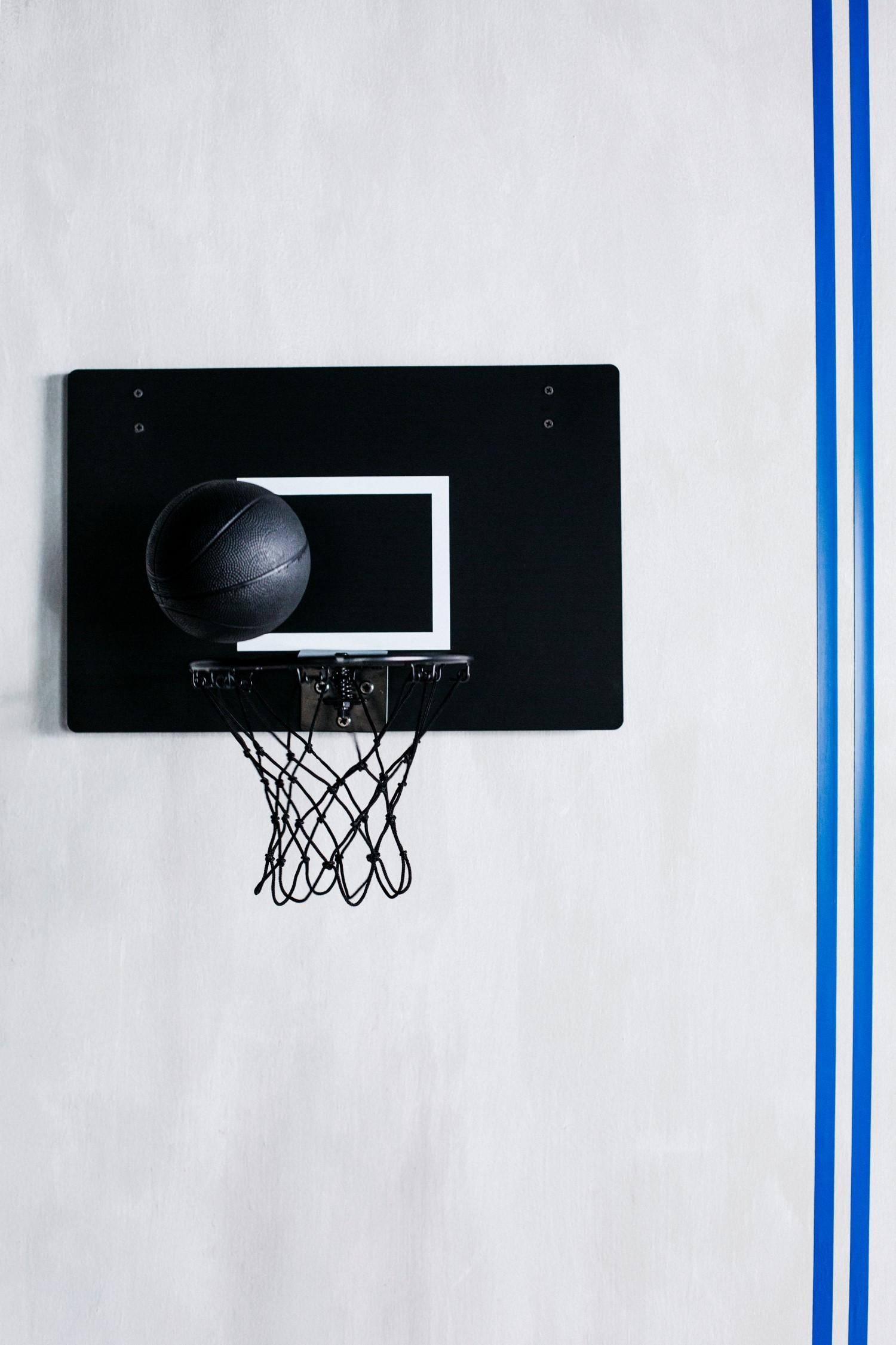 ikea spanst basketball on the net