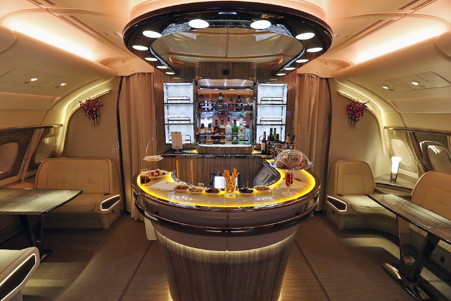 emirates a380 business class amenities and bar