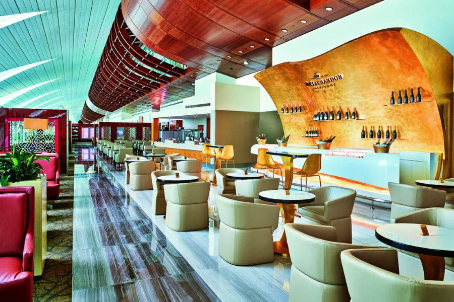 emirates business class a380 lounge