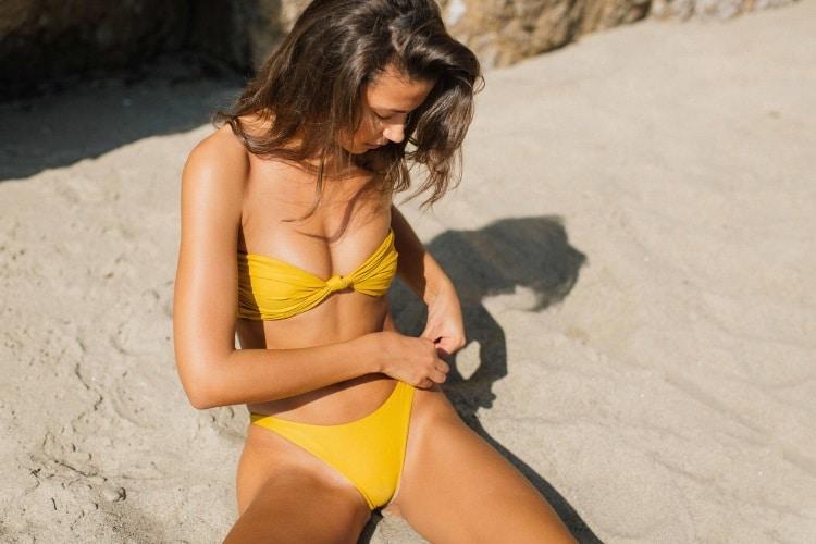 candice blackburn yellow color bikini