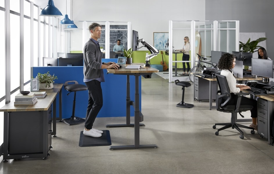 benefits of a standing desk at work