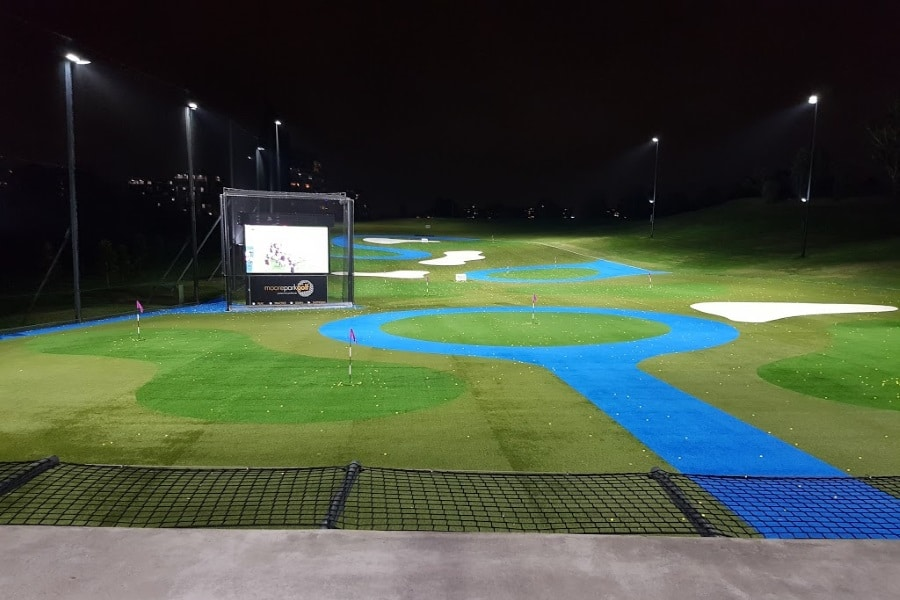 11 best golf driving ranges in sydney man of many for Verlichte driving range