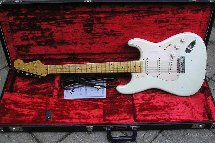 white electric matt vintage guitars