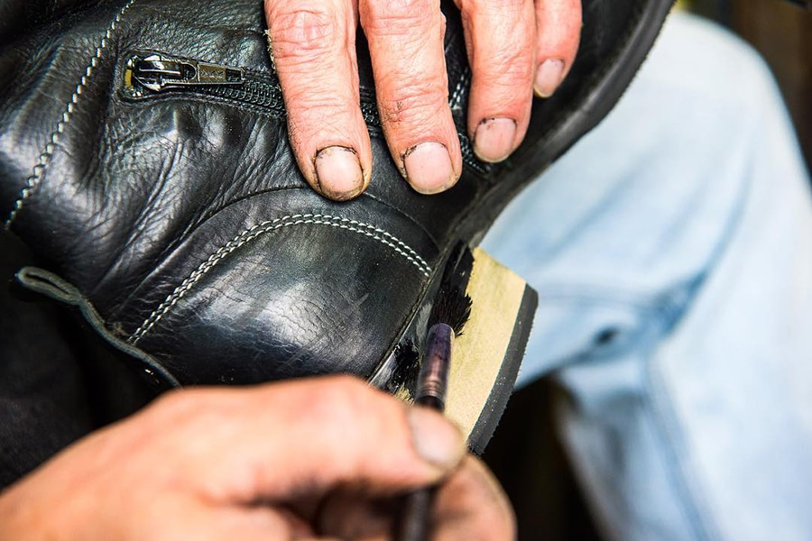 6 best cobblers and shoe repair stores in melbourne man of many
