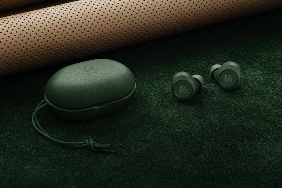 bang and olufsen's beoplay e8 earbuds and case