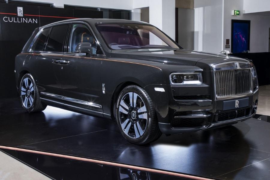 Rolls Royce Cullinan Makes It S Australian Debut Man Of Many
