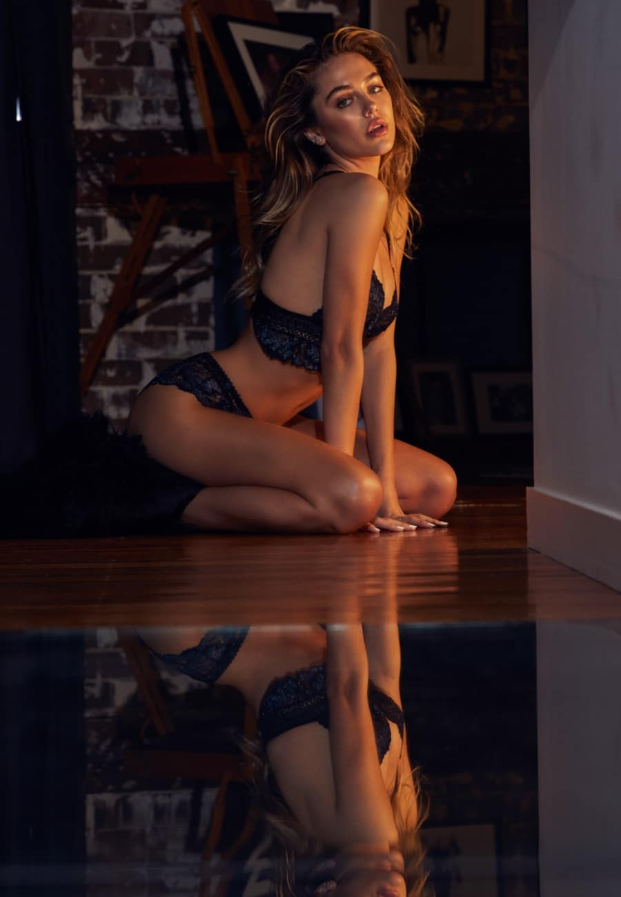 delilah belle reflection