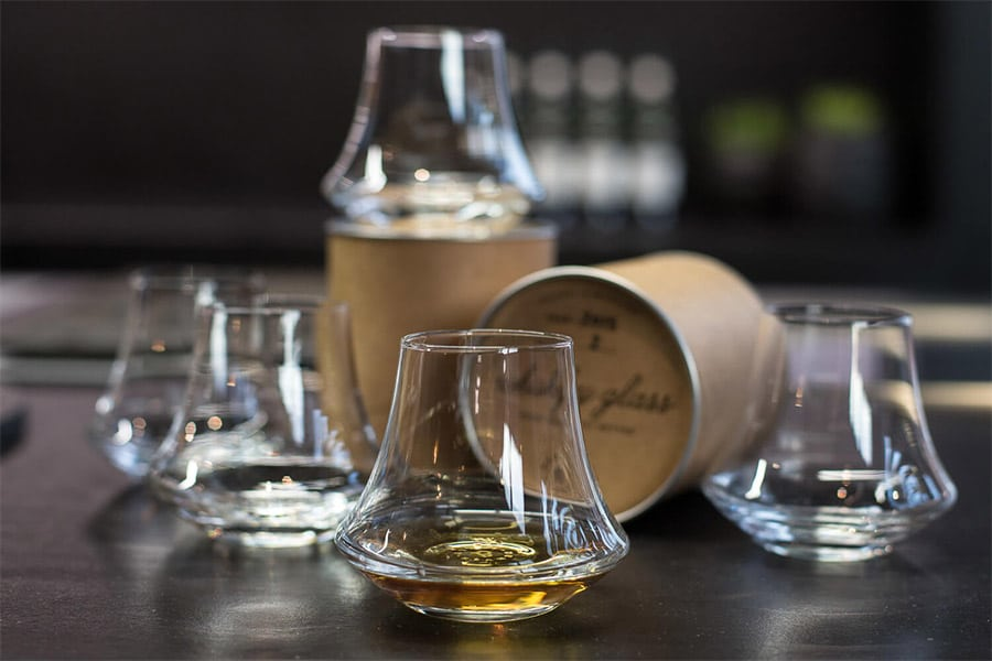 A Complete Guide to the 15 Best Whisky & Scotch Glasses