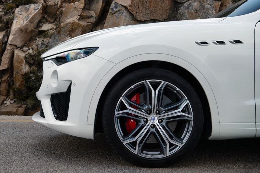 maserati levante gts front tyres