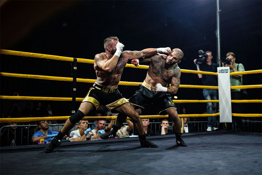 two bare knuckle boxers