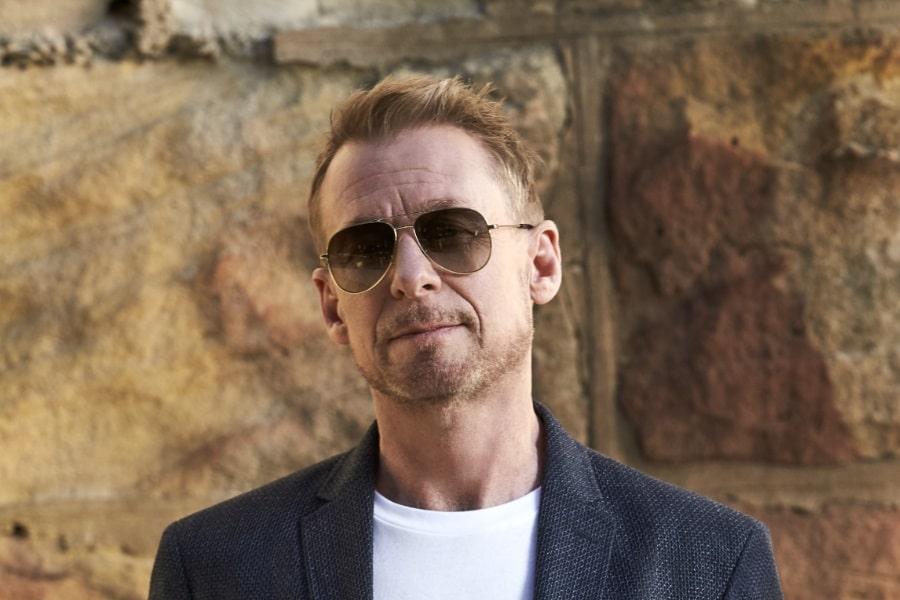 richard roxburgh interview wearing sun glass