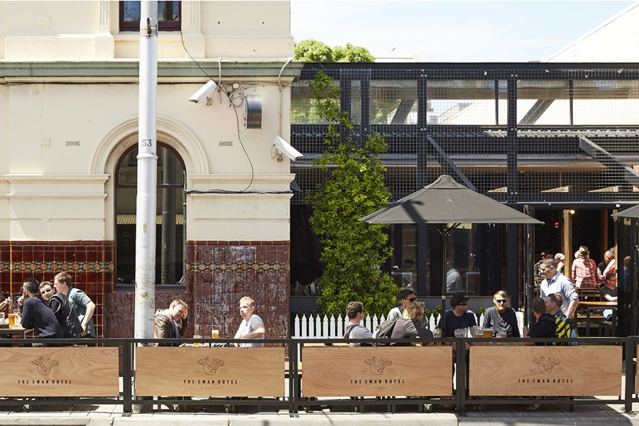 the swan outdoor dining