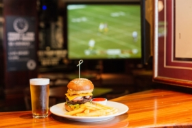 13 best sports bars in melbourne