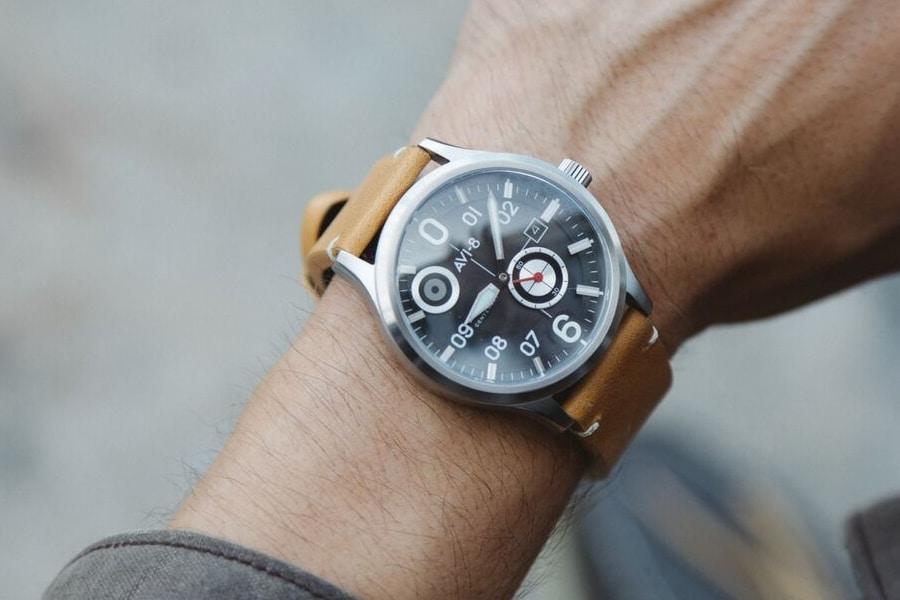 avi 8 centenary flyboy watch wearing in hand